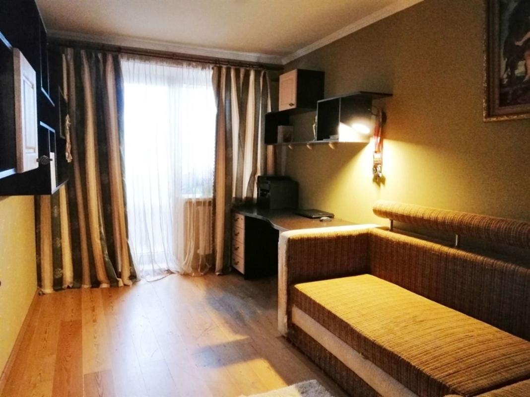 продам 3-комнатную квартиру Днепр, ул.Беляева Замполита , 8 - Фото 1
