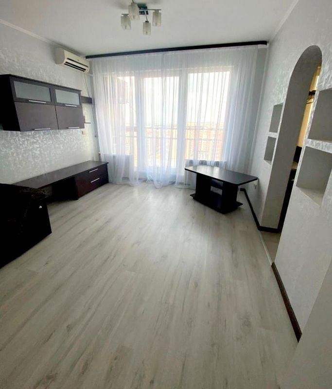 продам 2-комнатную квартиру Днепр, ул.8 Марта , 9 Б - Фото 1