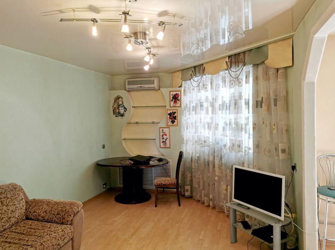 продам 4-комнатную квартиру Днепр, ул.Комсомольская , 38 Б - Фото 3