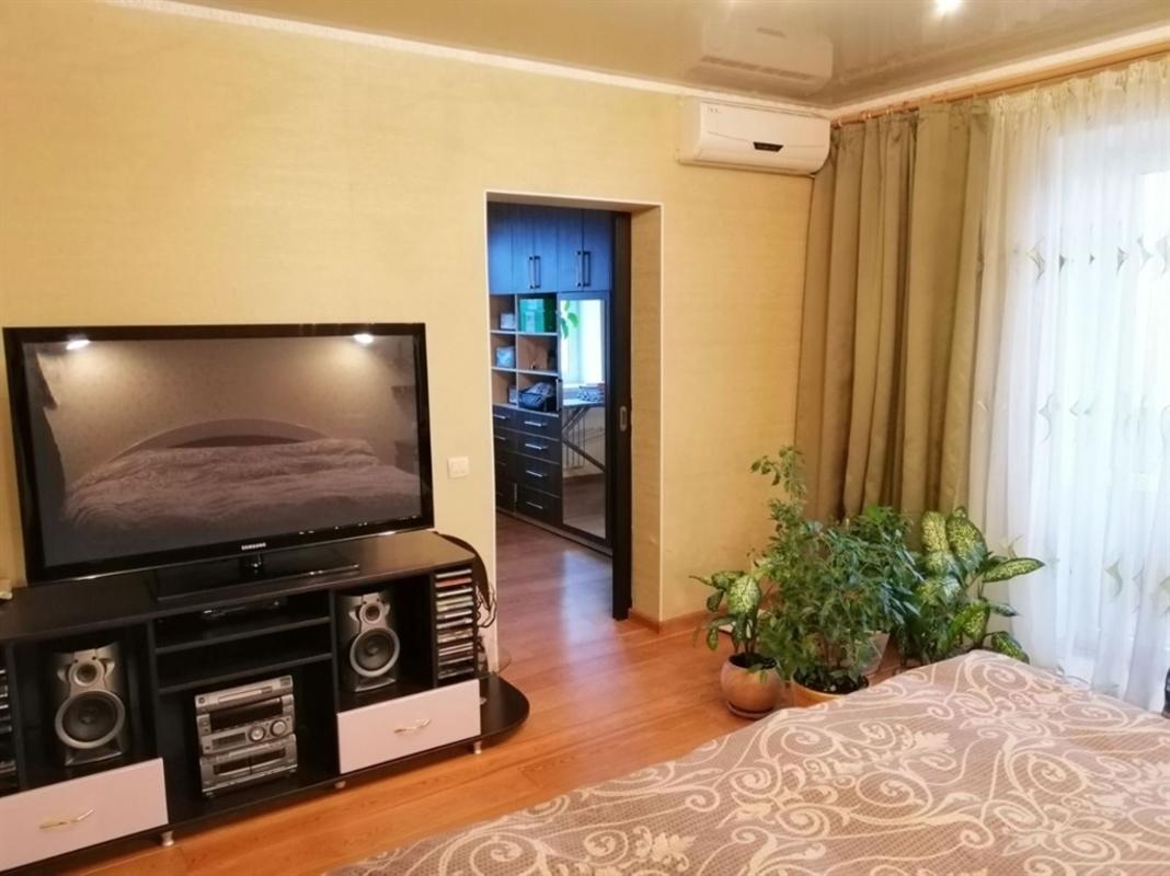 продам 3-комнатную квартиру Днепр, ул.Беляева Замполита , 8 - Фото 4
