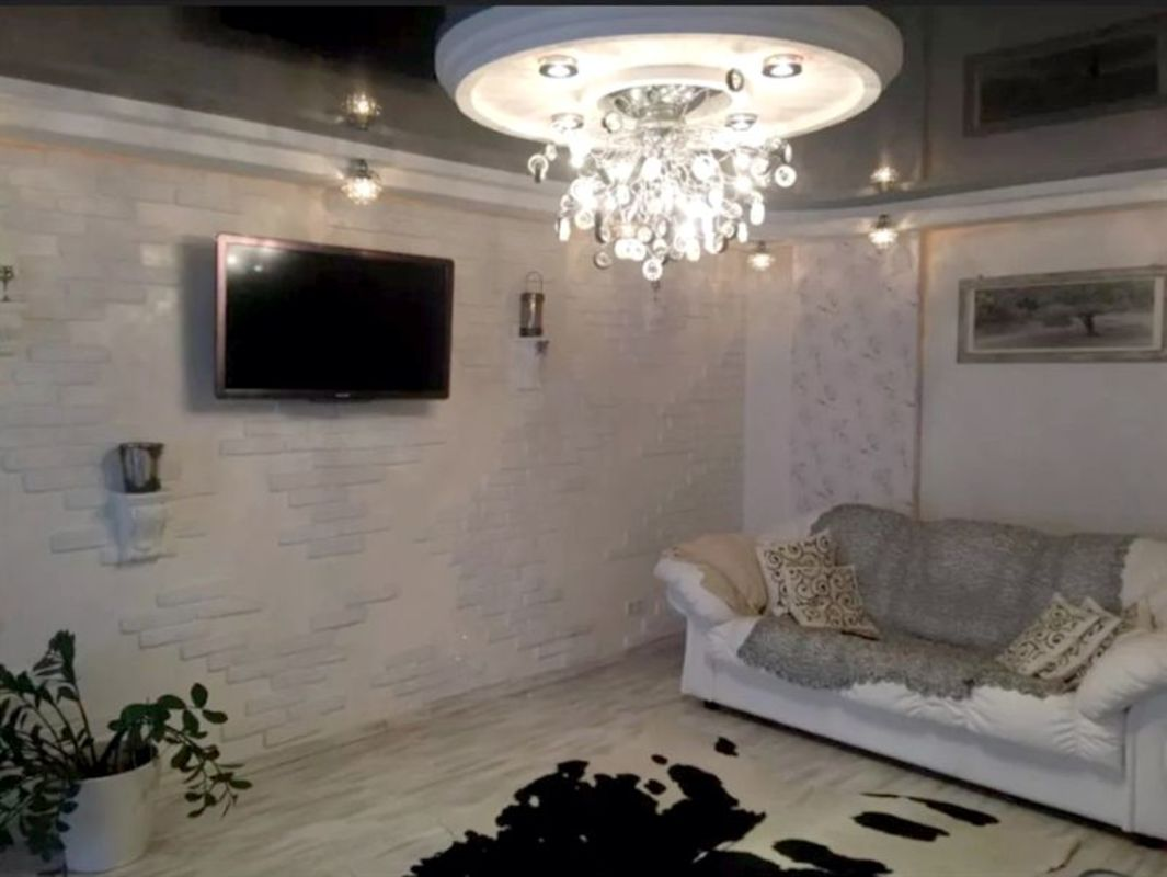продам 3-комнатную квартиру Днепр, ул.Высоцкого , 2А - Фото 1