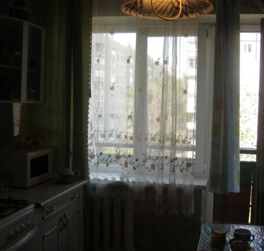 продам 4-комнатную квартиру Днепр, ул.Малиновского Маршала , 12 - Фото 2