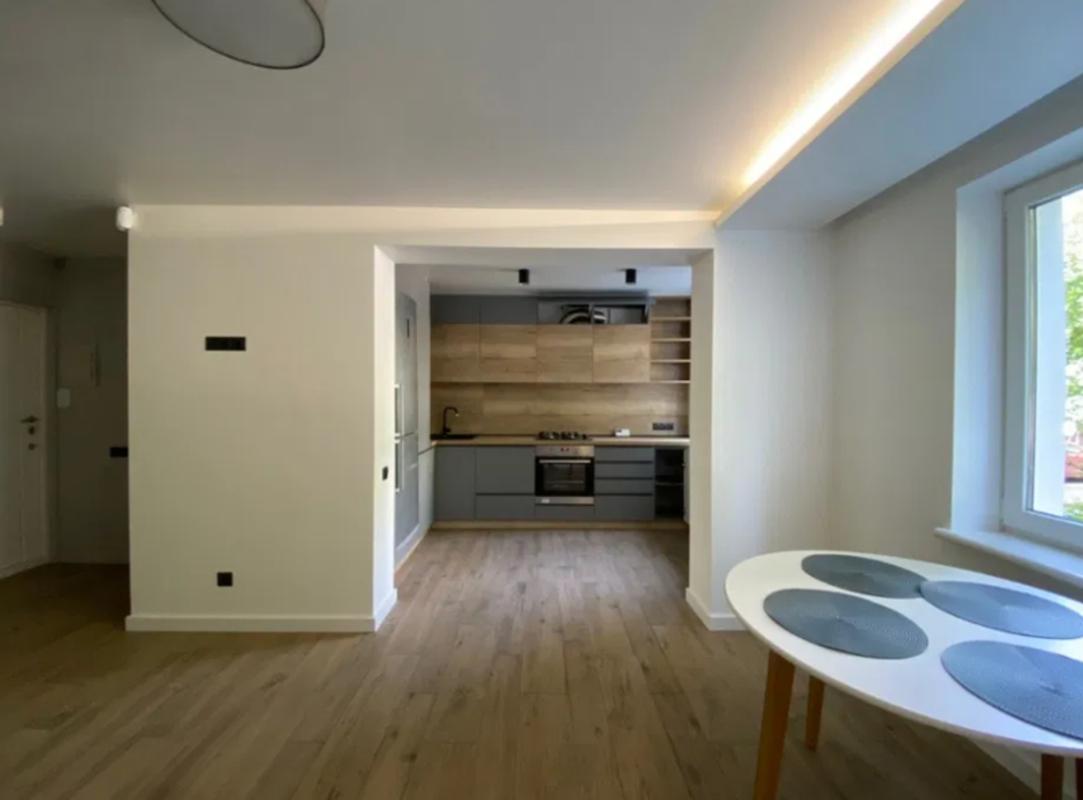продам 3-комнатную квартиру Днепр, ул.Малиновского Маршала , 10 - Фото 1