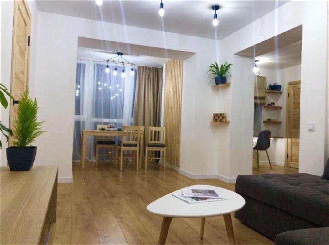 продам 3-комнатную квартиру Днепр, ул.Малиновского Маршала , 42 - Фото 1